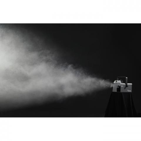 Showtec Shark Zoom Wash One 7xRGBW - Imagen 3